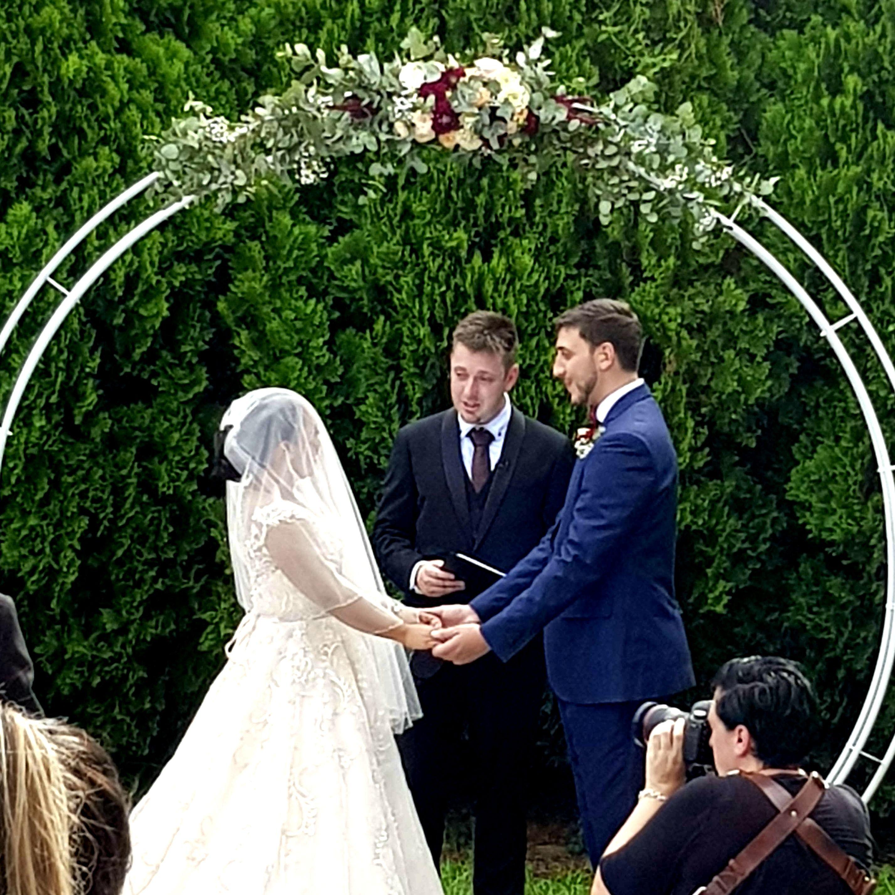 Fun Celebrant, Hawkesbury Celebrant, Sydney Celebrant, Master of Ceremonies Sydney, Customised Ceremony, Wedding Ceremony, Wedding Celebrant Sydney