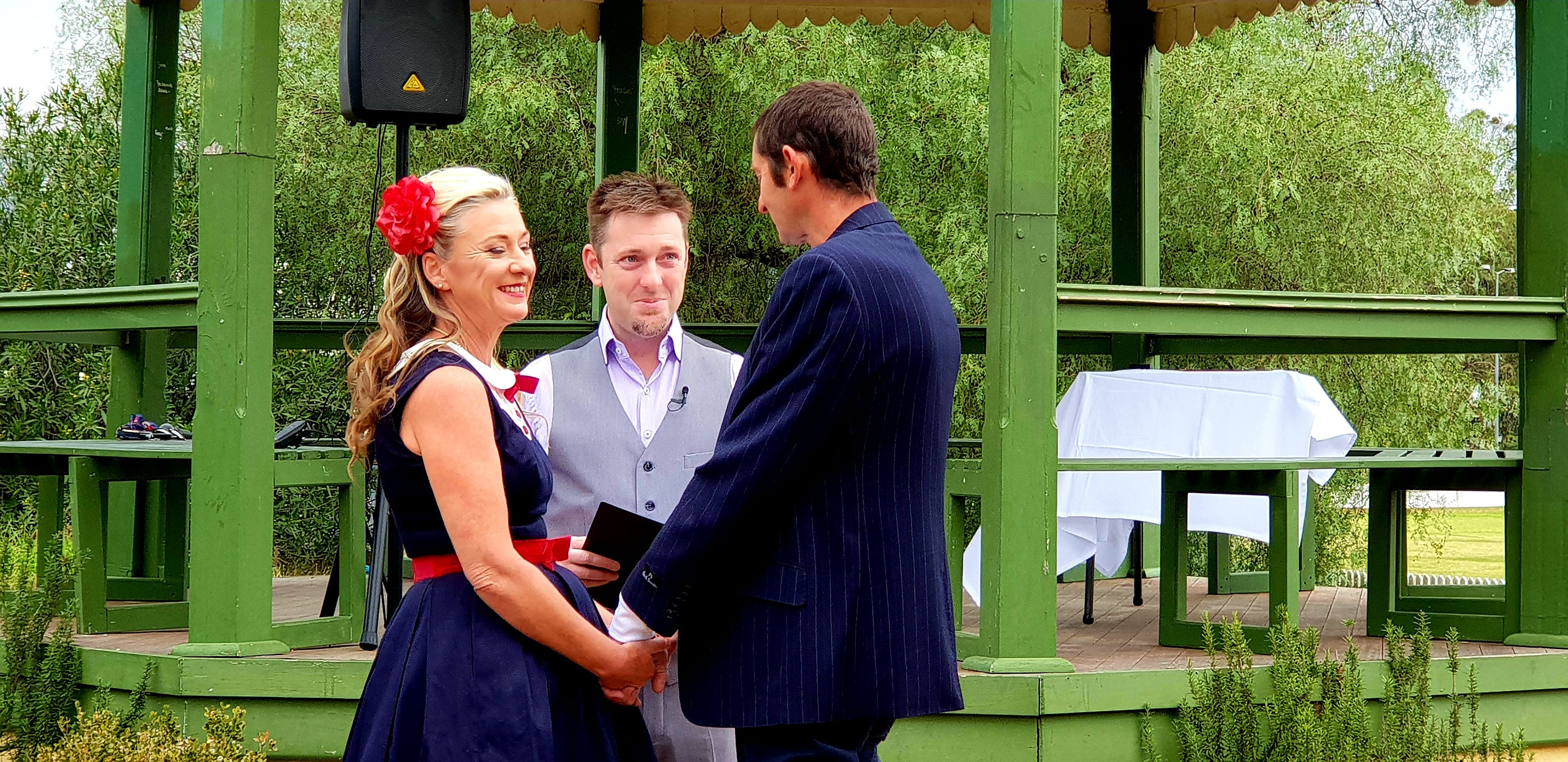 Hawkesbury Celebrant, Small Wedding, Elopement, Male Celebrant, Sydney Celebrant, Fun Ceremony